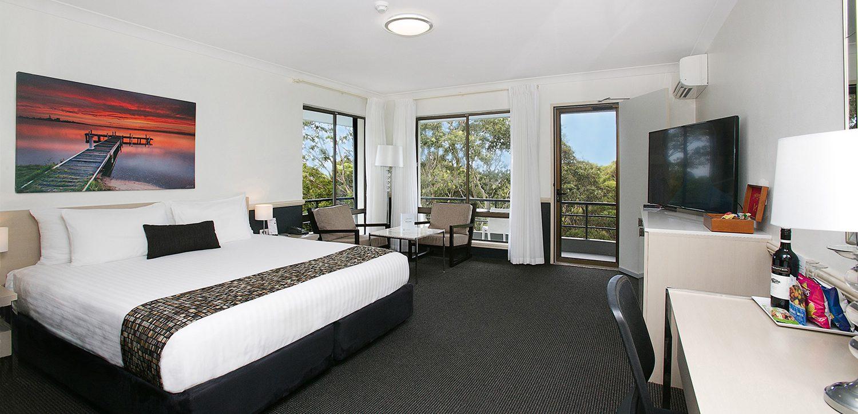 newcastle-accommodation-apollo-international-honeymoon-suite | Apollo International